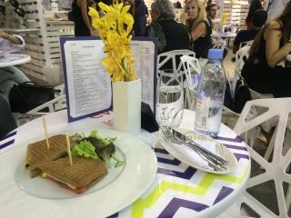Fashion Cafe