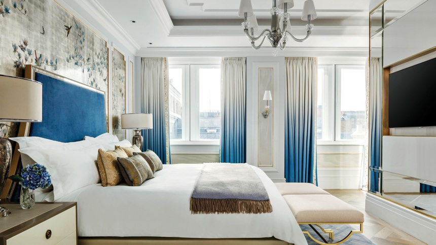 tllon-rooms-sterling-suite-masterbed-1680-945