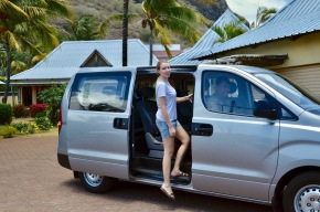 Transportation in Mauritius. By Taxi, Car or Bus?